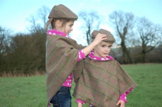 Tweed Wrap with Farm Print Lining -  image 4